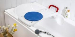 Práctica y segura tabla de bañera con disco giratorio