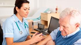 Condiciones laborales de enfermería en un centro geriátrico