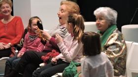 ILUNION organiza un taller de risoterapia para niños y mayores