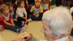 Actividades entre niños y ancianos que contribuyen al envejecimiento activo