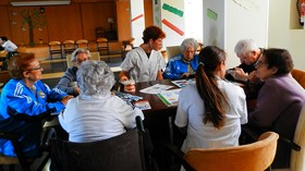 Sanyres y el CEU fomentan la prevención de la higiene bucal entre los mayores