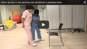 Cómo ayudar a una persona con Alzheimer a sentarse bien