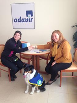 Geriatricarea Adavir Sisoucan terapia asistida con perros