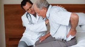 Casi la mitad de los mayores de 65 años sufre al menos una caída en 18 meses