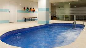 Beneficios del ejercicio en el agua para la movilidad de los mayores