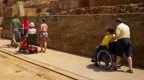 Más de 1.400 personas participarán en el programa de vacaciones accesibles de COCEMFE