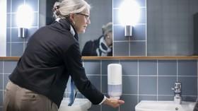 Dispensadores de jabón para usuarios con poca fuerza en las manos