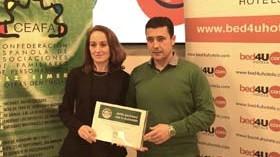 """CEAFA y Bed4U Hotels crean la primera """"Red de Hoteles Solidarios con el Alzheimer"""""""