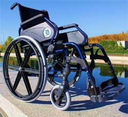 Grupo Ballesol crea una silla de ruedas corporativa de alta gama