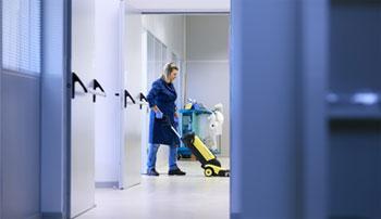 geriatricarea limpieza residencias de mayores Plus Service