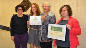 Reus luce ya la acreditación de Ciudad solidaria con el Alzheimer