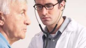 La SEGG reivindica el papel del cuidador y geriatra en la atención a enfermos de Alzheimer
