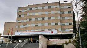 Principio de acuerdo para mantener las plazas de atención a pacientes geriátricos en el Gregorio Marañón