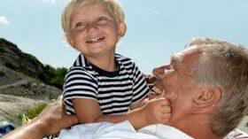 La interacción con los niños ayuda a prevenir el deterioro cognitivo en los mayores