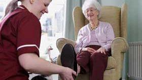 En España ya son casi 1,2 millones las personas usuarias de servicios asistenciales a domicilio