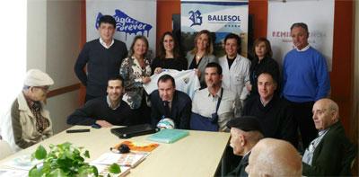 Geriatricarea Ballesol San Carlos talleres de reminiscencia fútbol