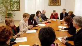 La SNGG presenta en el Parlamento foral la Declaración de Pamplona sobre los derechos de las personas mayores