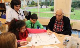 Geriatricarea juegos intergeneracionales Igurco