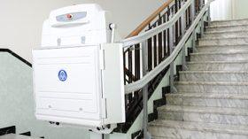SUPRA, una plataforma elevadora para salvar barreras arquitectónicas de acceso a viviendas