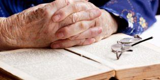 Leer ayuda a mantener la capacidad cognitiva de los enfermos de Alzheimer
