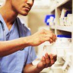 Guía de actuación para la asistencia farmacéutica en depósitos de medicamentos en residencias