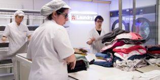 Laundry ID elimina las pérdidas de ropa en servicios residenciales a la vez que facilita la inclusión laboral