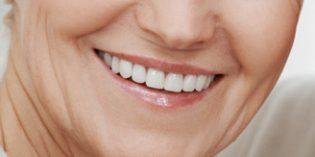 Cuatro de cada diez personas mayores de 60 años tiene algún implante dental