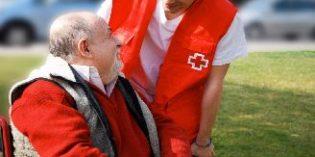 El 26% de personas atendidas por Cruz Roja viven solas y más de la mitad tiene más de 80 años