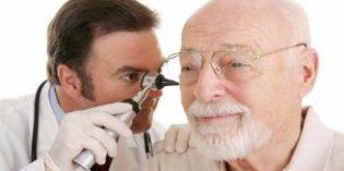 El 61% de los mayores solo se somete a revisiones auditivas cuando siente molestias