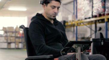 """Una silla de ruedas """"inteligente"""" guiada por las ondas cerebrales"""