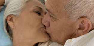 """La sexualidad de las personas mayores sigue siendo un tema """"tabú"""" en las residencias"""