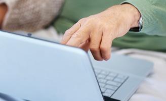 """Las personas mayores son cada día """"más tecnológicas"""" y están más conectadas"""