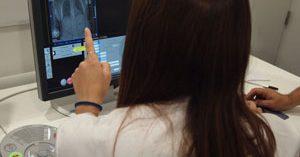 El Hospital del Mar ofrece atención oncogeriátrica transversal a mujeres de edad avanzada con cáncer de mama
