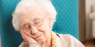 El insomnio se asocia con mayor riesgo de caídas, deterioro cognitivo y peor control de la medicación