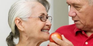 La logopedia mejora la comunicación y alimentación en pacientes con Parkinson