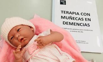 geriatricarea Albertia terapia con muñecas