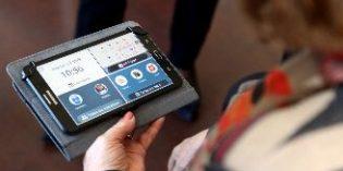 Alcobendas apuesta por una app para combatir el aislamiento de los mayores que viven solos