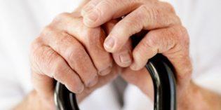 El Defensor del Pueblo alerta sobre la situación de soledad no deseada en la que viven muchos mayores