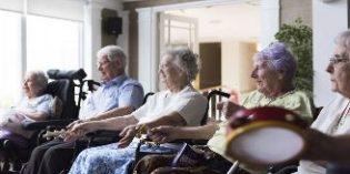 Las terapias musicales mejoran el bienestar de las personas con demencia