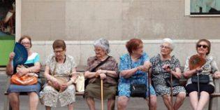 Barcelona pone en marcha una estrategia sobre envejecimiento para anticipar los cambios demográficos