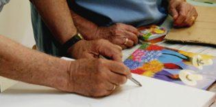 """Casi un millar de mayores imparten talleres de envejecimiento activo en el programa de voluntariado """"Mayores Maestros"""""""