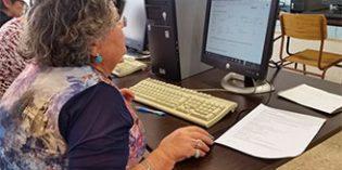 Los mayores de Ategal participan en el Proyecto Simpatico para hacer más accesibles los formularios online de las Administraciones