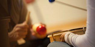 Música, neuropsicología y nutrición, protagonistas de los tres últimos cursos de CRE Alzheimer de este año