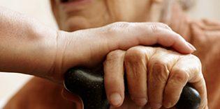 CEAPS critica el apoyo financiero del Gobierno a los cuidadores no profesionales en los PGE
