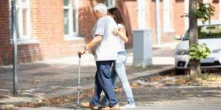 ¿Cuáles son los perfiles sociosanitarios más demandados para atender a los mayores?