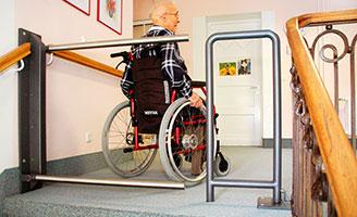 Securatec previen el riesgo de caidas de personas mayores for Escaleras de piscinas para personas mayores