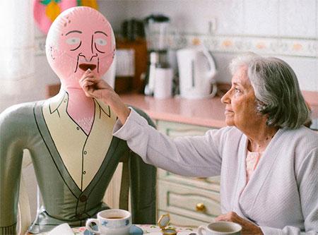 geriatricarea soledad no deseada Familias hinchables