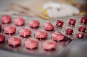 Reducir el uso de psicofármacos en pacientes con demencia tiene numerosos beneficios para su salud