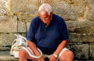 """""""Bakardadeak"""", un estudio para conocer la realidad de las personas mayores que viven en soledad"""