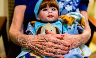 geriatricarea Doll Therapy